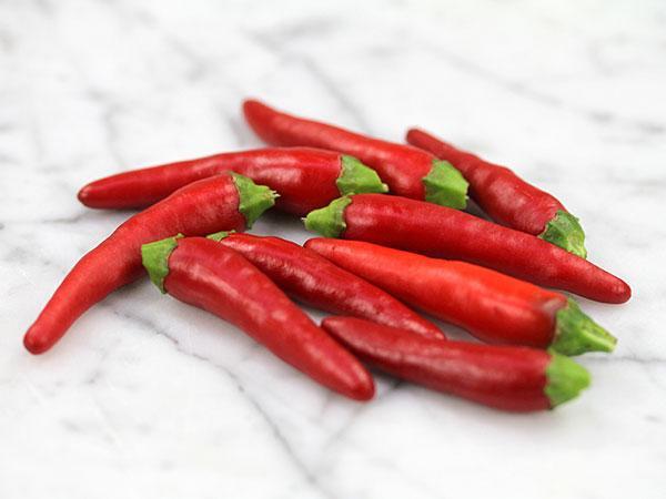 Thai super chili hybrid hot pepper reviews for Giant chilli thai